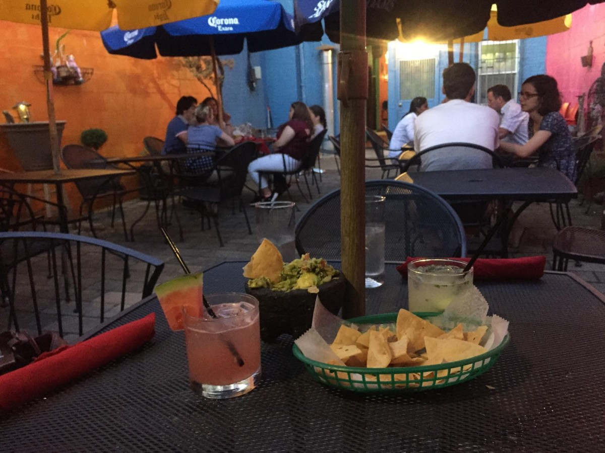 The 10 Best Spots To Eat And Drink Outside In Bay Ridge