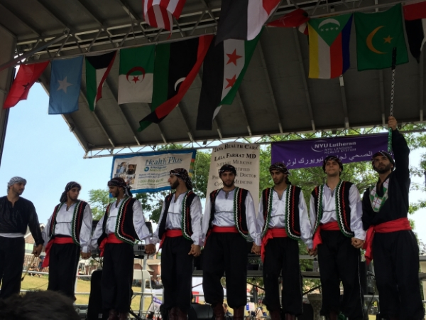 The main stage provided a variety of performances throughout the afternoon. (Photo via arabamericany.org)