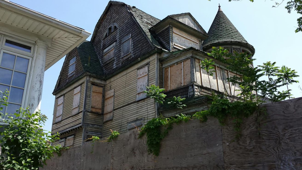 Bay Ridge Crumbling Mansion