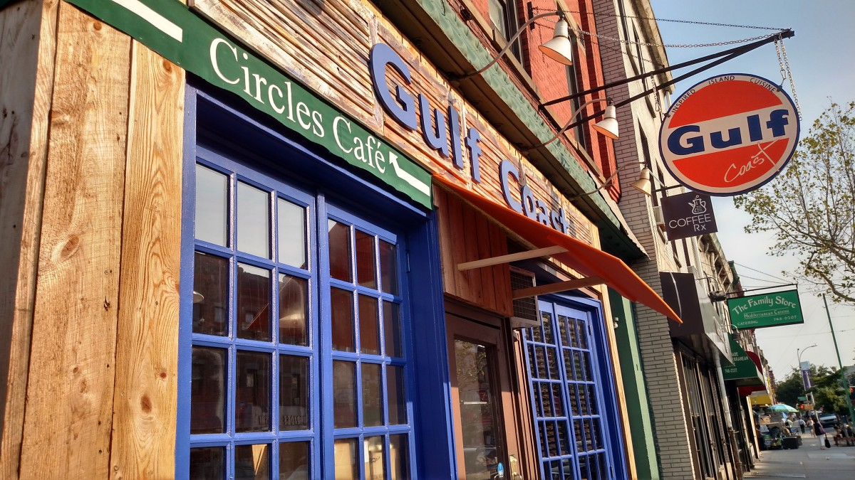 Circles Cafe Splits Its Space Opens New Bar Restaurant