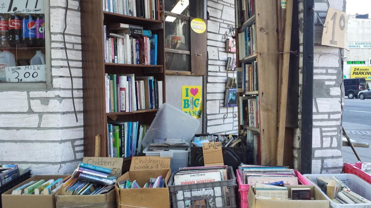 Used books at Verrazano Deli & Grocery bodega