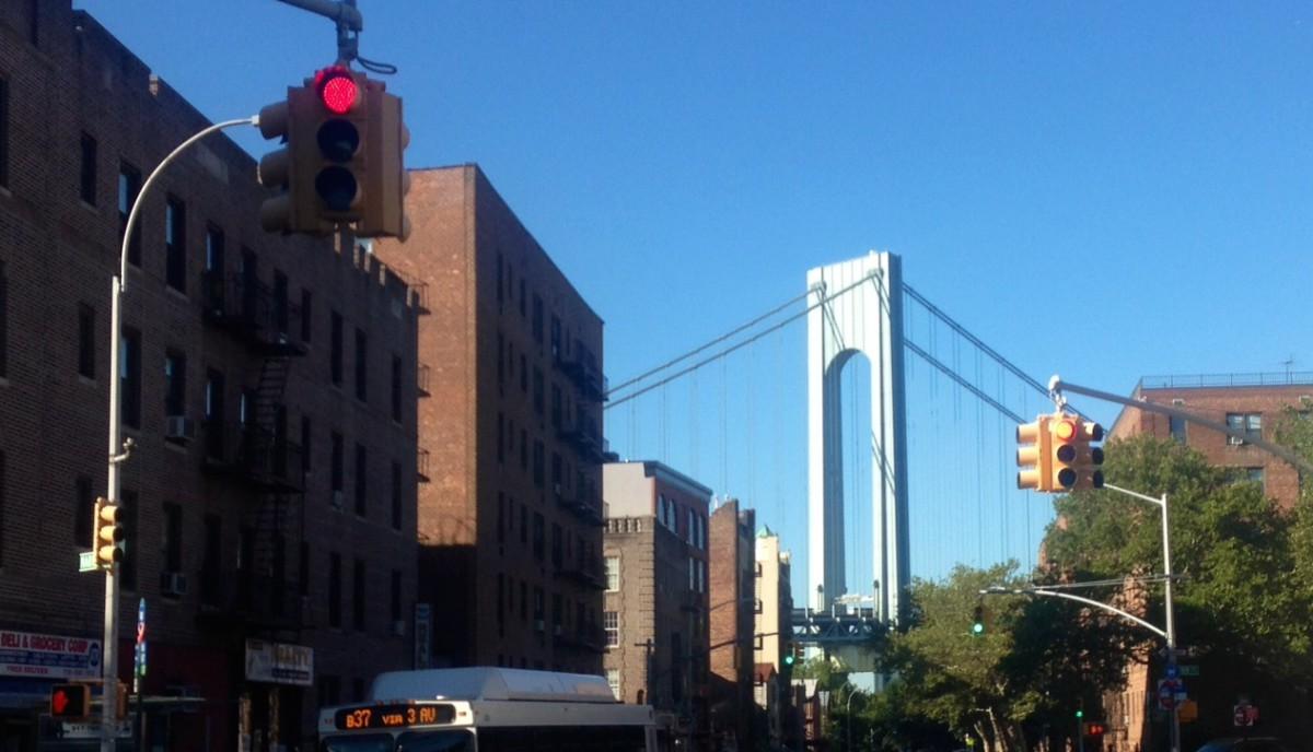 Third Avenue traffic lights