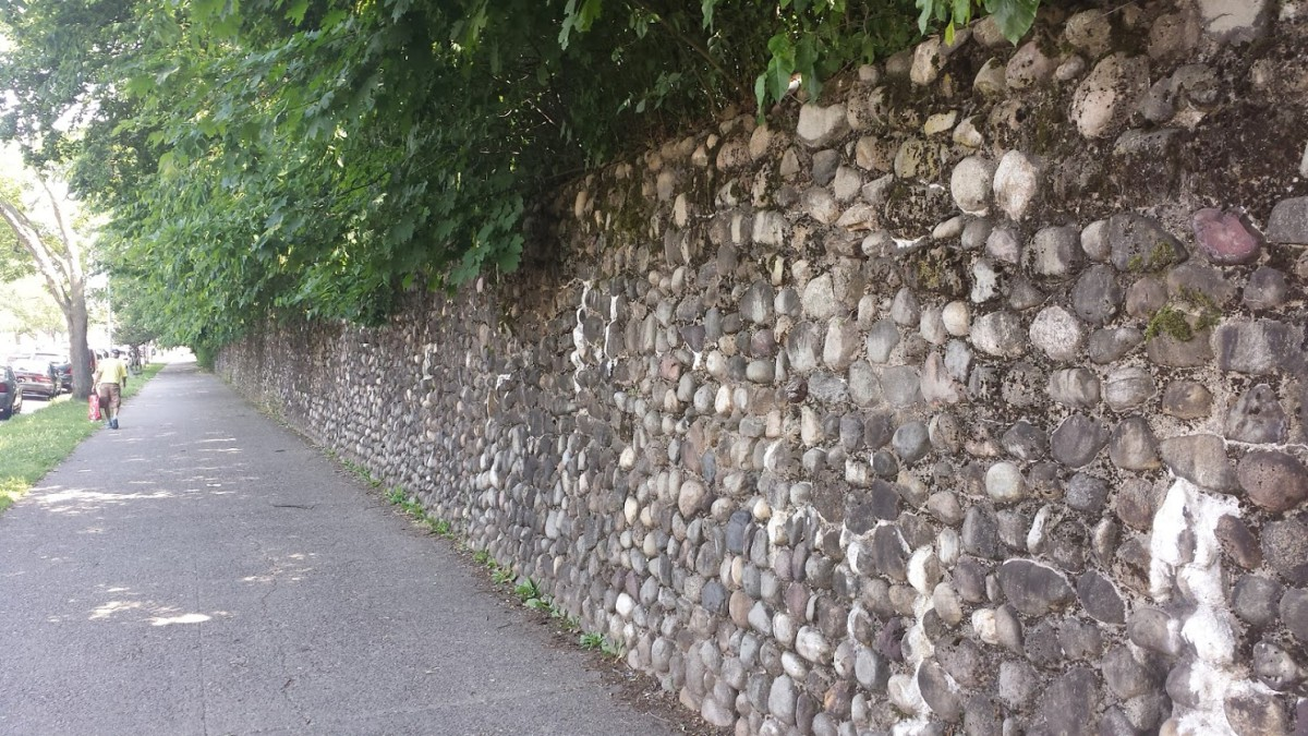 Dyker Golf Course wall