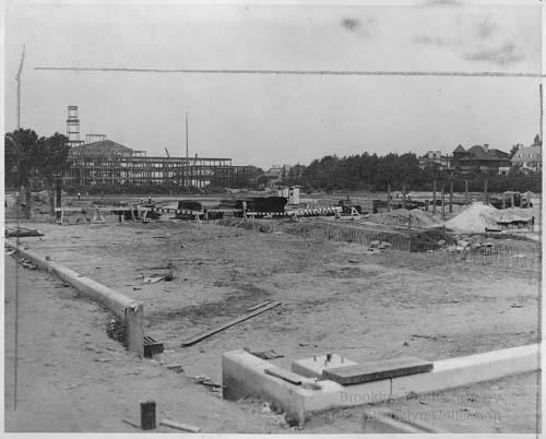 Fort Hamilton High School under construction