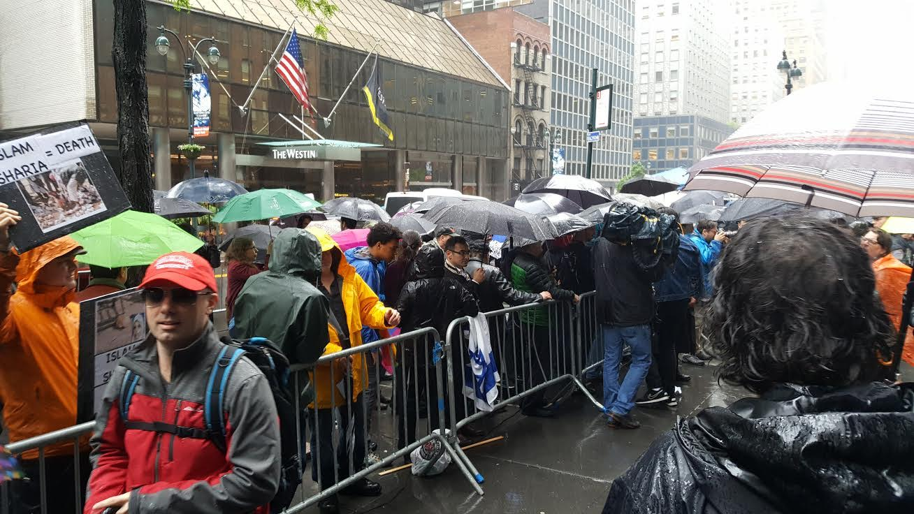 Linda Sarsour protest